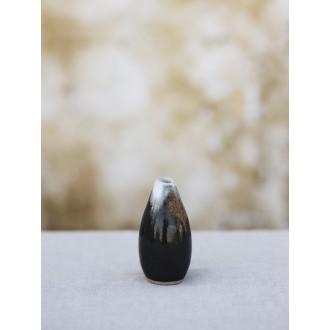 vázička malá černá